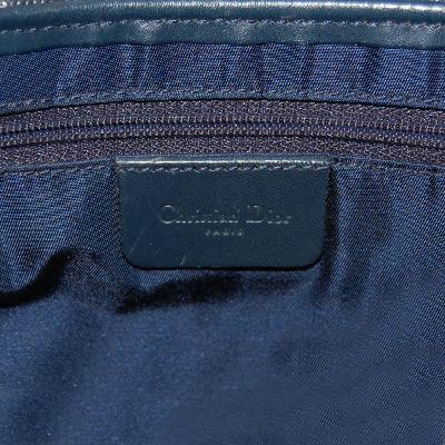 oblique shoulder bag